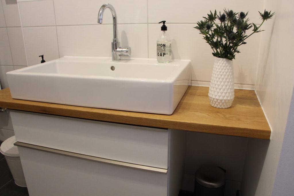 Waschtisch mit Eichenplatte