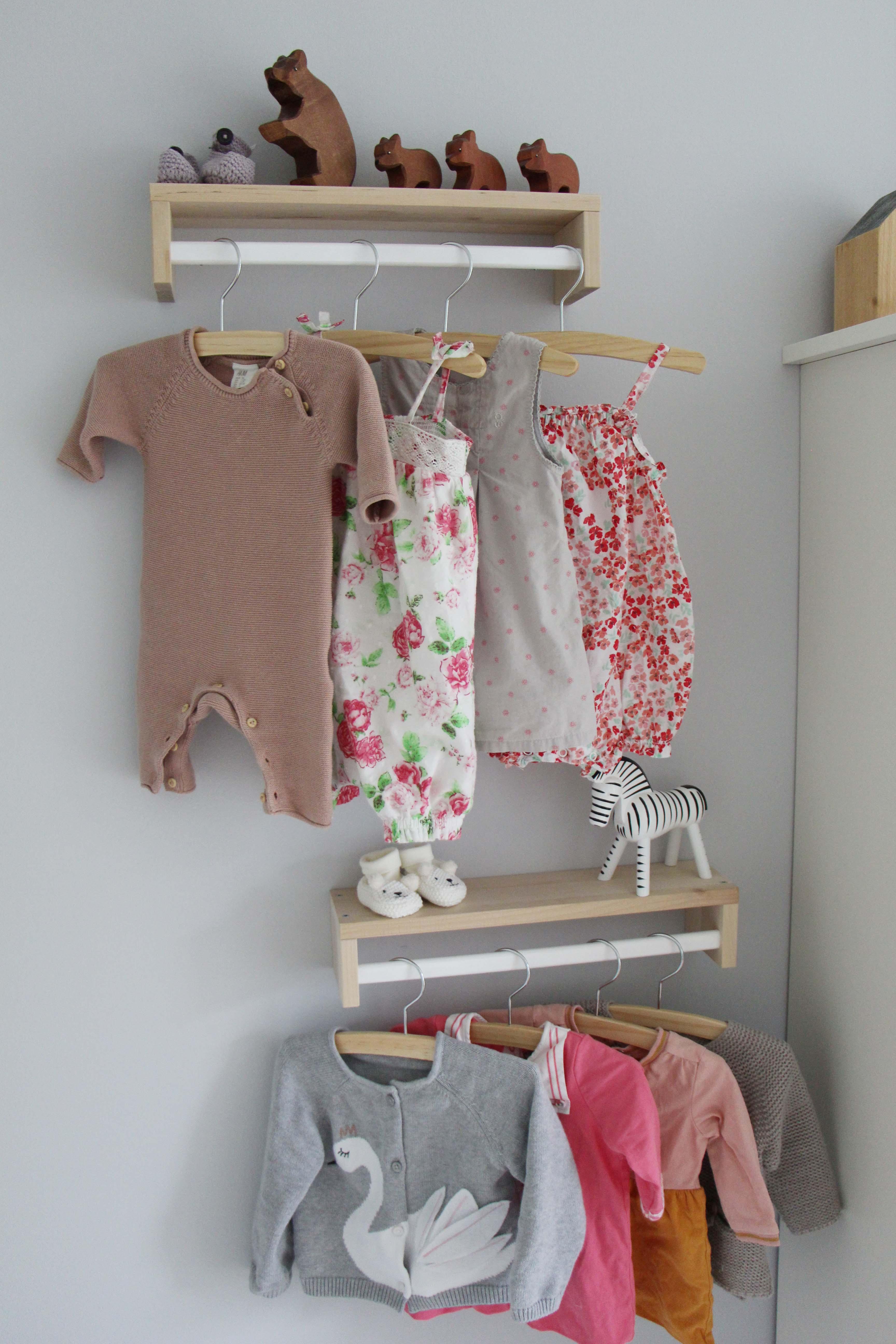 Kinderzimmer-Garderobe